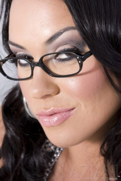Mariah Milano Sexy in Spectacles
